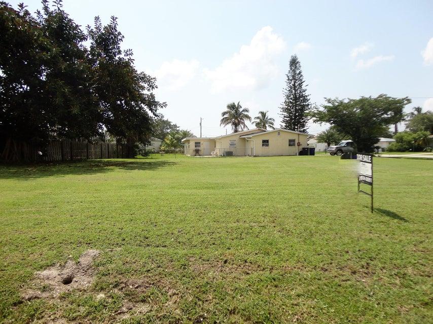 أراضي للـ Sale في Tbd Thumb Point Drive Tbd Thumb Point Drive Fort Pierce, Florida 34949 United States