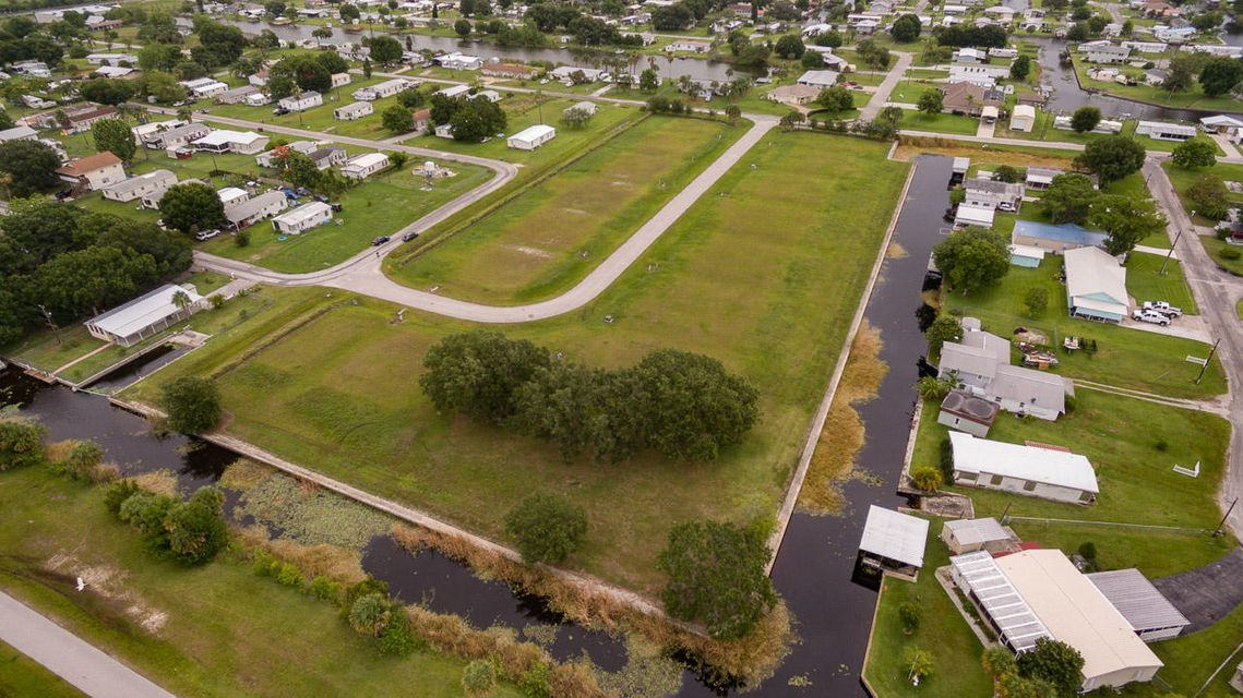 Land for Sale at 1041 Orange Loop Okeechobee, Florida 34974 United States
