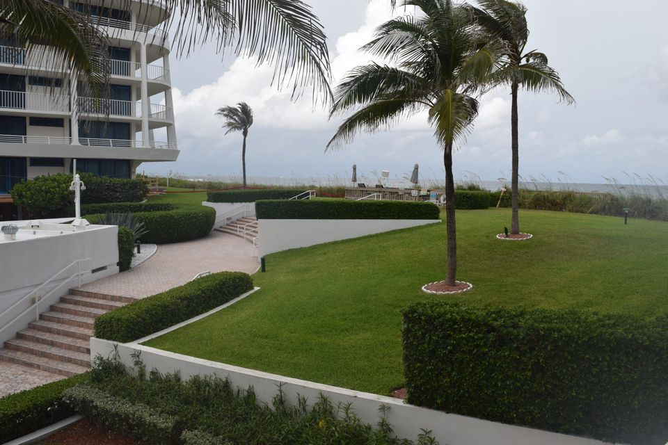 Additional photo for property listing at 2600 S Ocean Boulevard 2600 S Ocean Boulevard Palm Beach, Florida 33480 United States