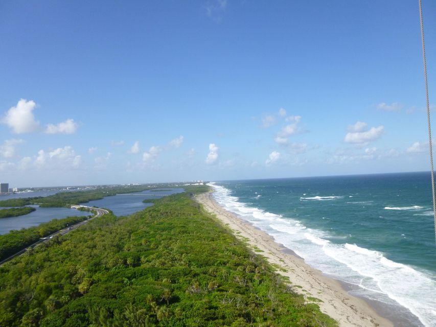 Additional photo for property listing at 5540 N Ocean Drive  Singer Island, Florida 33404 United States