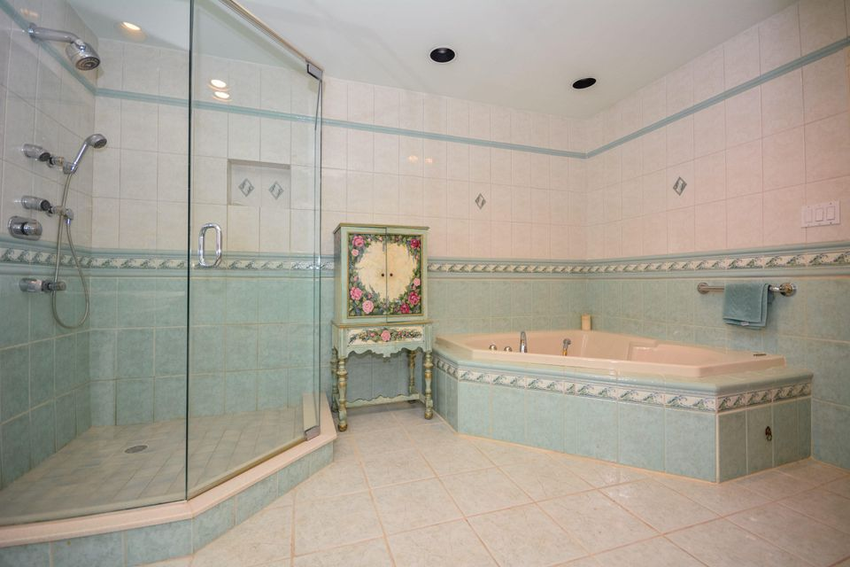 Additional photo for property listing at 7704 Cedarwood Circle 7704 Cedarwood Circle Boca Raton, Florida 33434 United States