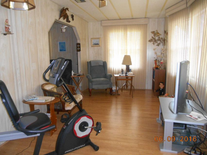 Additional photo for property listing at 4102 70th Court N  西棕榈滩, 佛罗里达州 33404 美国