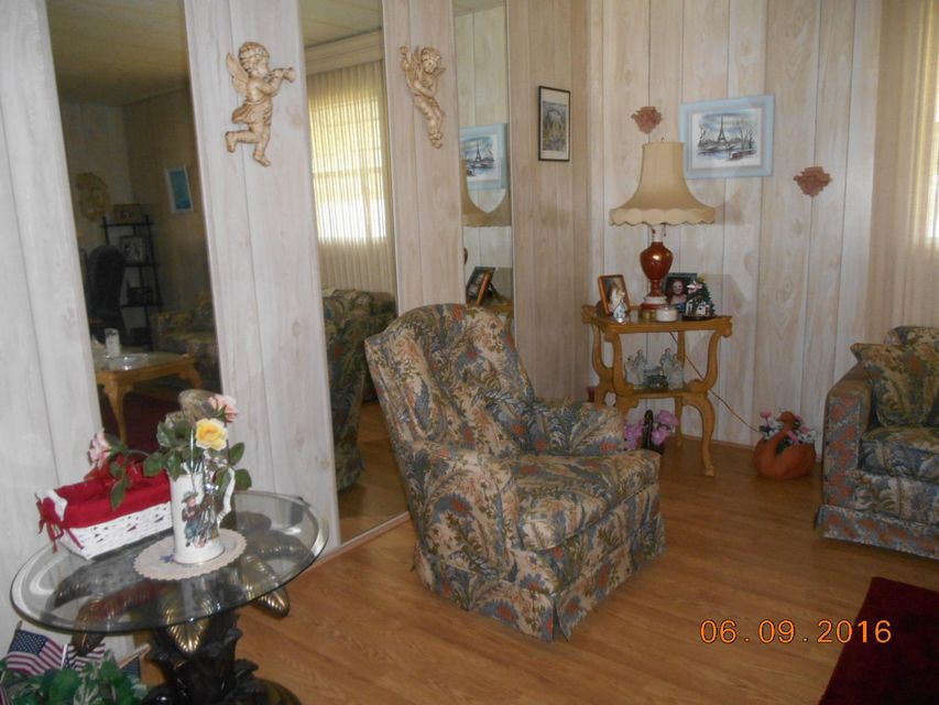 Additional photo for property listing at 4102 70th Court N  West Palm Beach, Florida 33404 United States