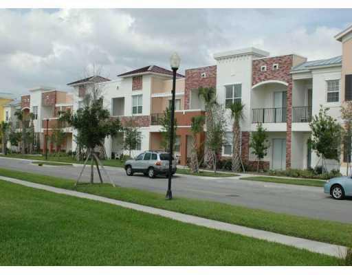 10480 SW Stephanie Way, Port Saint Lucie, FL 34987