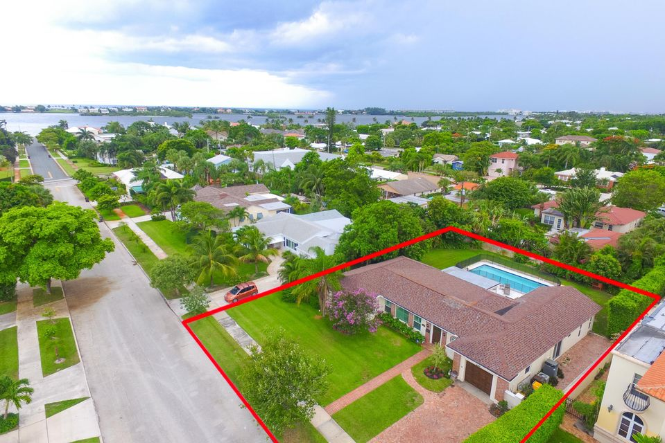 224 Bloomfield Drive, West Palm Beach, FL 33405
