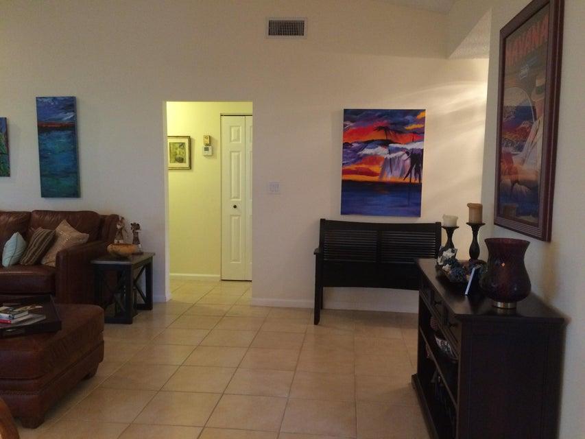 12th st livingroom (2)