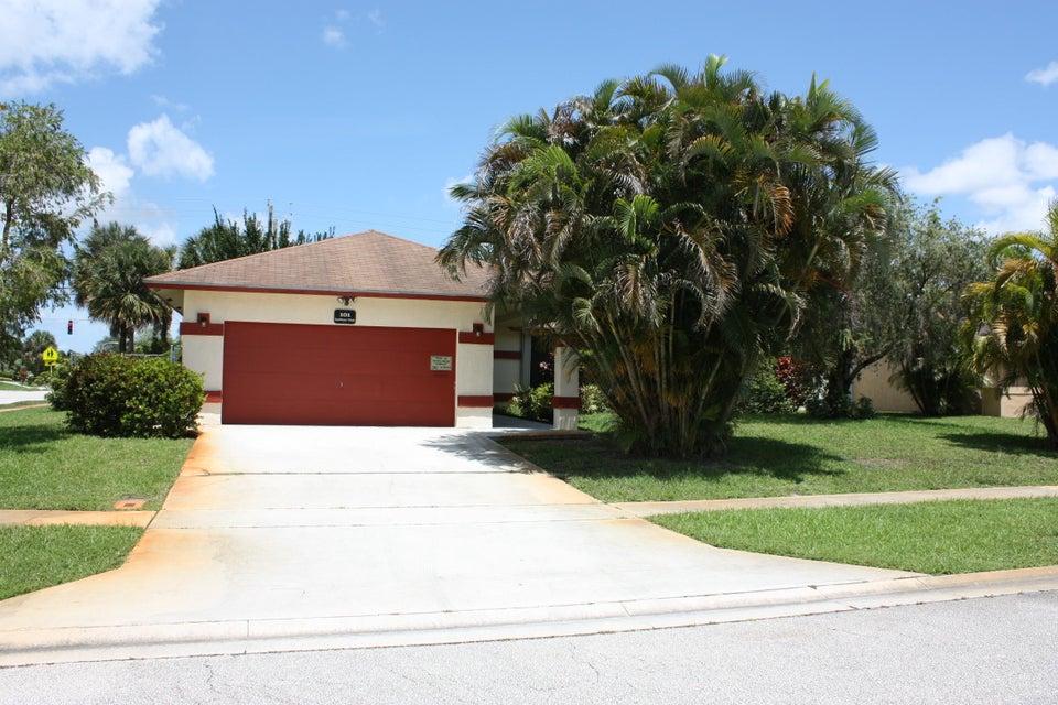 101 Sunflower Circle Royal Palm Beach, FL 33411