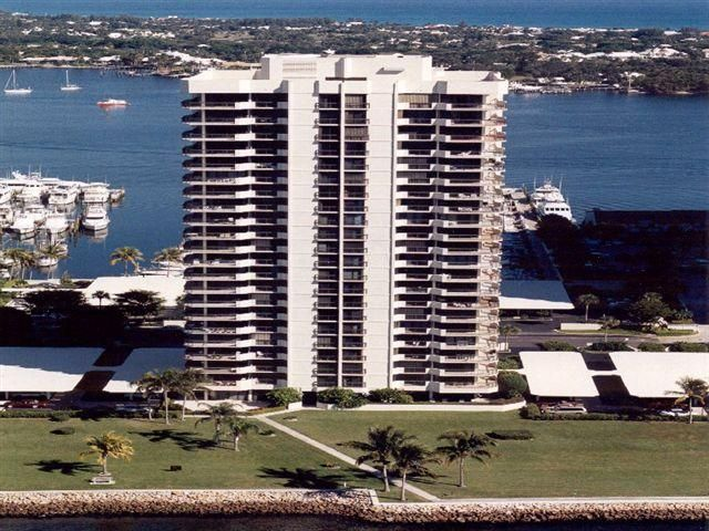 Co-op / Condo for Sale at 115 Lakeshore Drive North Palm Beach, Florida 33408 United States