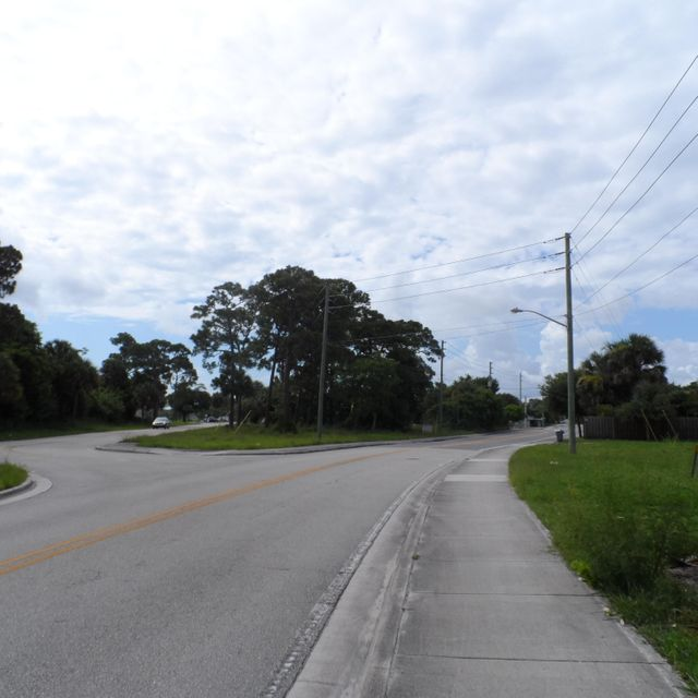 Additional photo for property listing at 4766 SE Railway Avenue  Stuart, Florida 34997 États-Unis