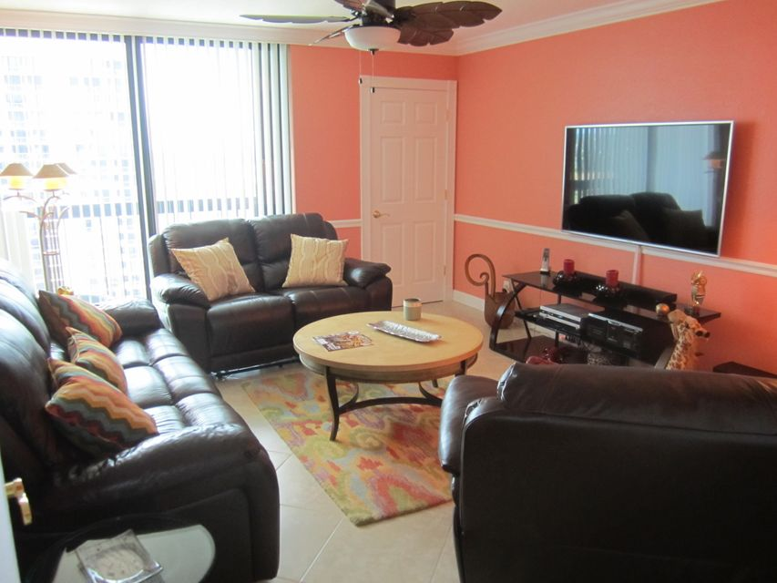 Additional photo for property listing at 115 Lakeshore Drive  North Palm Beach, Florida 33408 United States