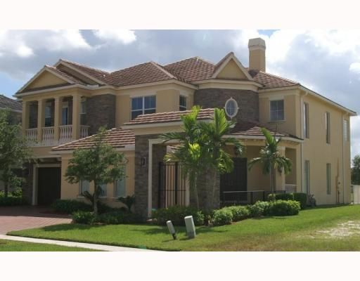 8462 Butler Greenwood Drive Royal Palm Beach, FL 33411