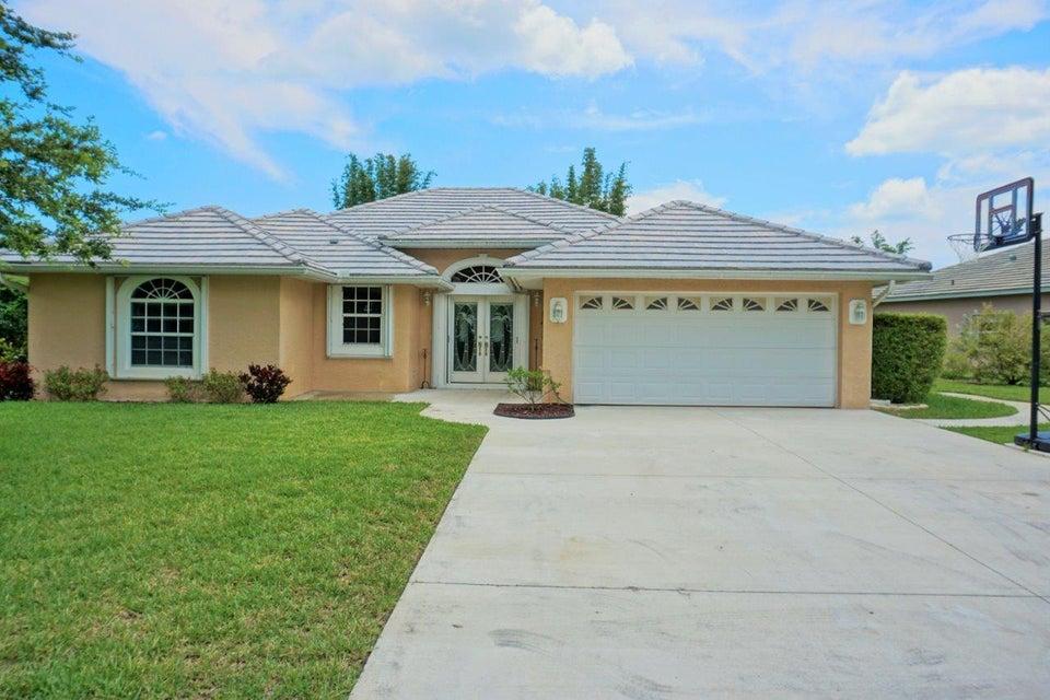 5374 SE Running Oak Circle, Stuart, FL 34997