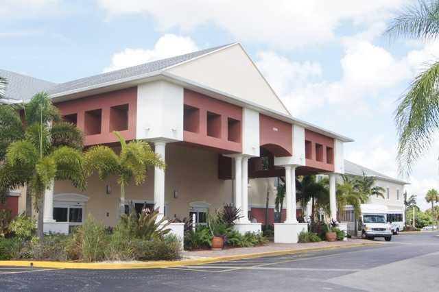 101 Cambridge E, West Palm Beach, FL 33417