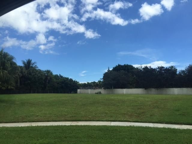 Additional photo for property listing at 9190 Cypress Hollow Drive  Palm Beach Gardens, Florida 33418 Estados Unidos
