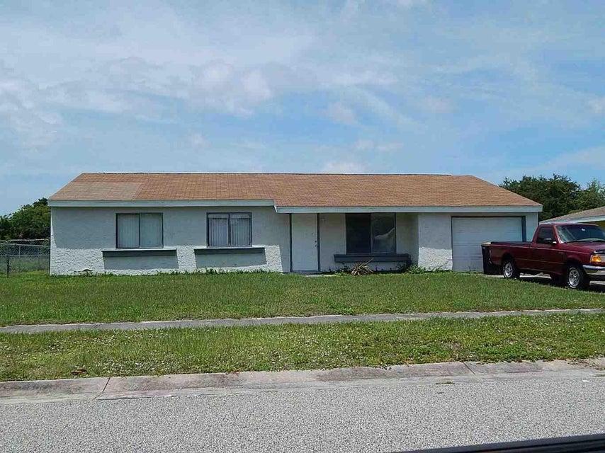 1094 Hooper Avenue NE, Palm Bay, FL 32905