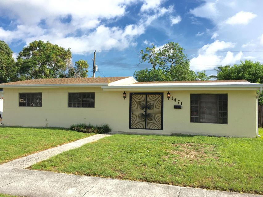 Home for sale in SCOTT LAKE MANOR SEC 7 Miami Gardens Florida