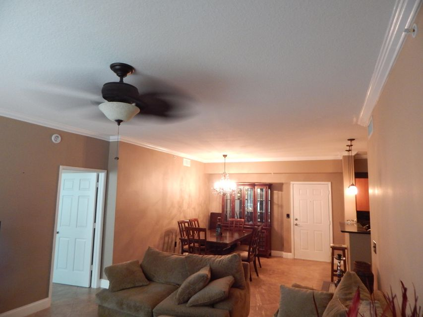 Additional photo for property listing at 806 E Windward Way  Lantana, Florida 33462 Vereinigte Staaten