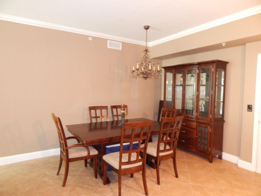 Additional photo for property listing at 806 E Windward Way 806 E Windward Way Lantana, Florida 33462 Vereinigte Staaten