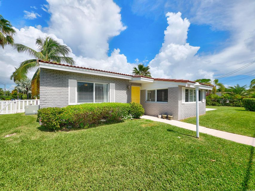 Home for sale in LOOK HOMESITES Hollywood Florida