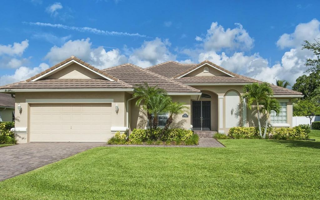 1695 Lee Avenue, Vero Beach, FL 32966