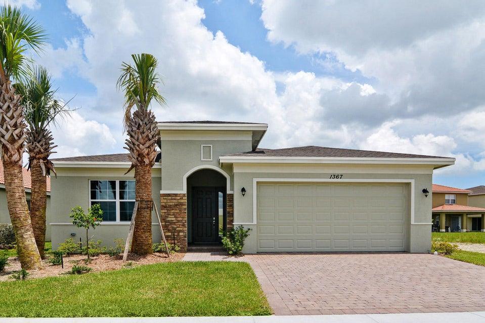 1367 NW Leonardo Circle, Port Saint Lucie, FL 34986
