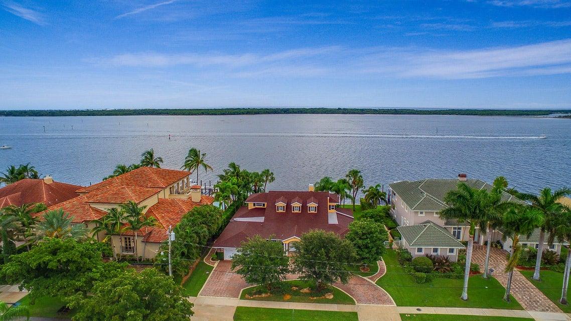 824 Lakeside Drive, North Palm Beach, FL 33408