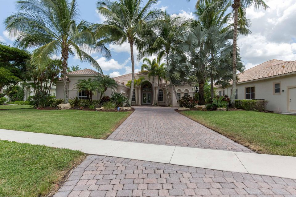 Home for sale in HUNTERS CHASE OF PALM BEACH POLO & COUNT Wellington Florida