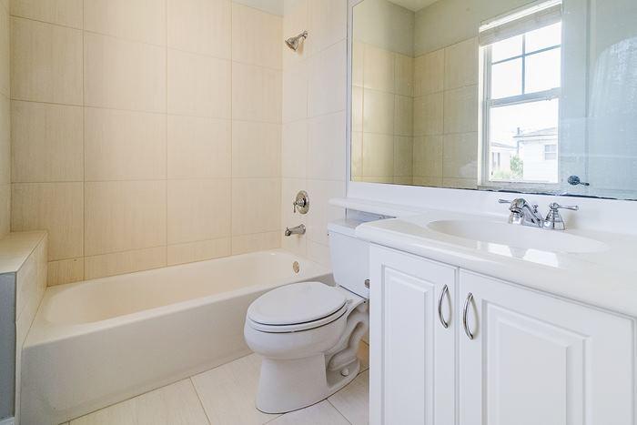 bathroom2_700