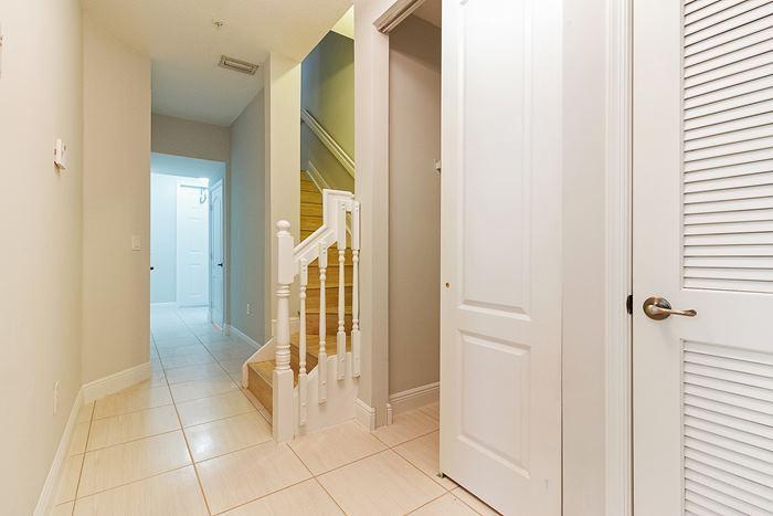 stairwell_700
