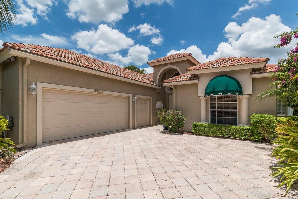 10746 Greenbriar Villa Drive, Wellington, FL 33449
