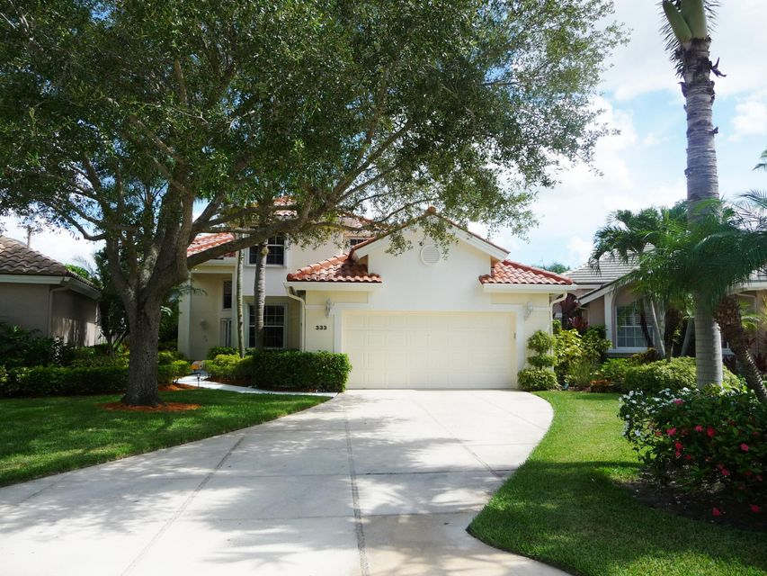 Home for sale in Eagleton Lakes Palm Beach Gardens Florida