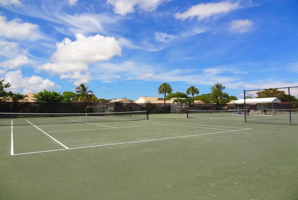 12 CLAY TENNIS COURTS