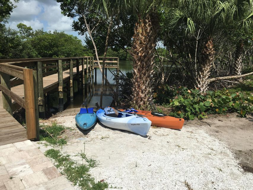 Additional photo for property listing at 3937 Shoreside Drive 3937 Shoreside Drive Fort Pierce, Florida 34949 États-Unis