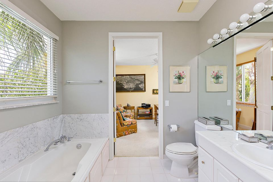 27 3rd Bathroom