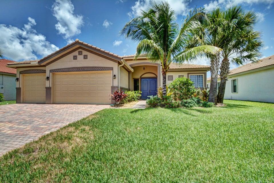 9404 Isles Cay Drive, Delray Beach, FL 33446
