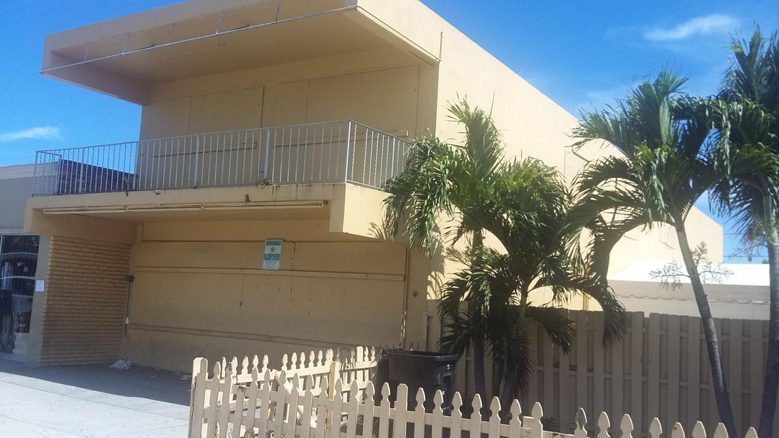 Additional photo for property listing at 1213 Lake Avenue 1213 Lake Avenue Lake Worth, Florida 33460 United States