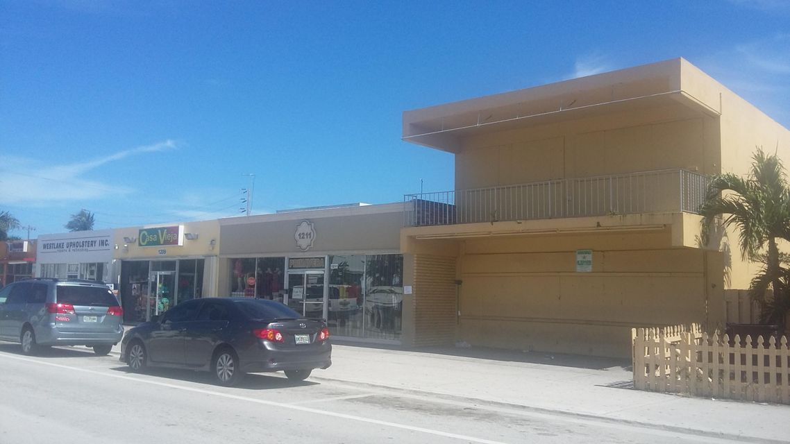Additional photo for property listing at 1213 Lake Avenue 1213 Lake Avenue Lake Worth, Florida 33460 États-Unis