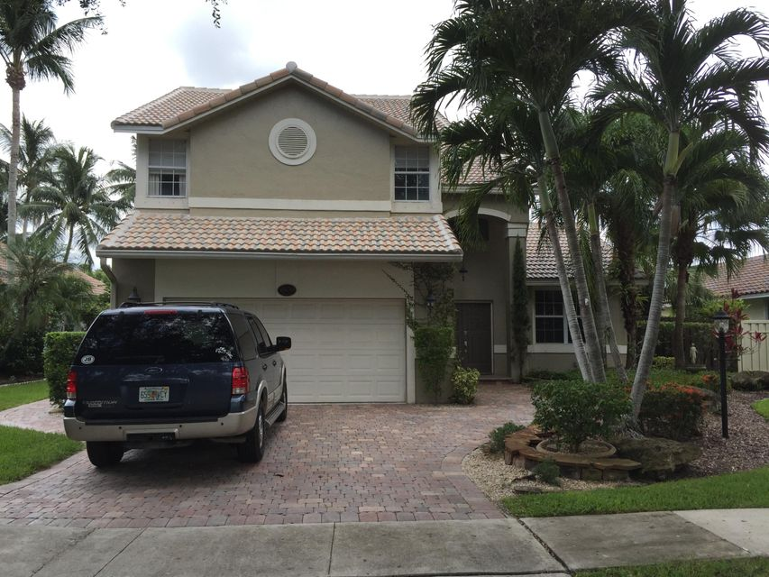 Home for sale in Embassy Lakes Cooper City Florida
