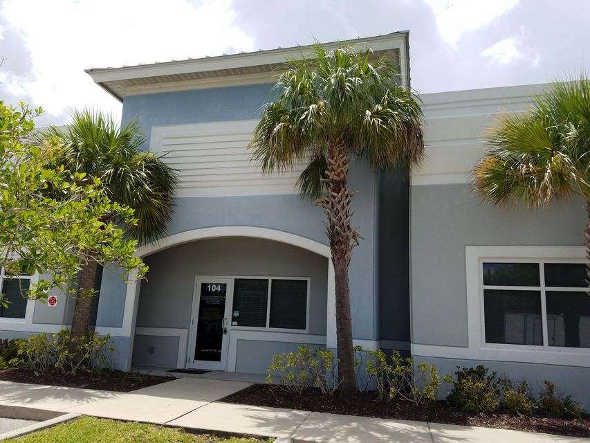 Additional photo for property listing at 550 NW University  Port St. Lucie, Florida 34986 Estados Unidos