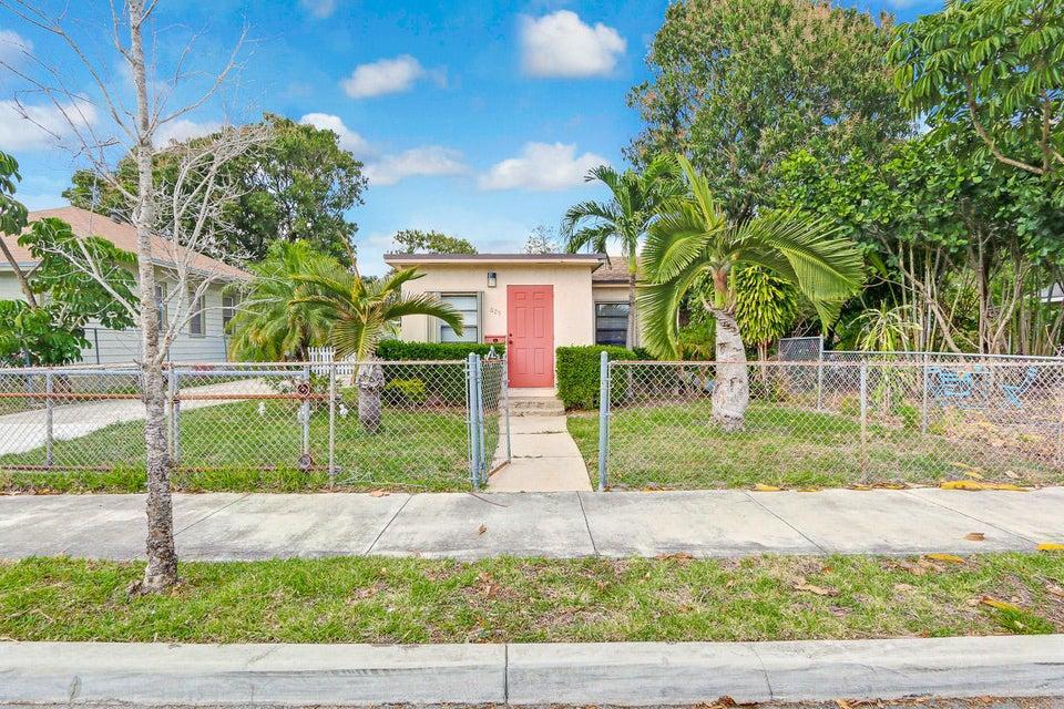 625 Monroe Drive West Palm Beach, FL 33405