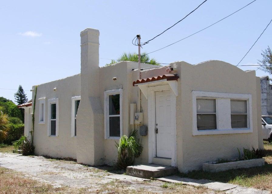 3818 Greenwood Avenue  West Palm Beach, FL 33407