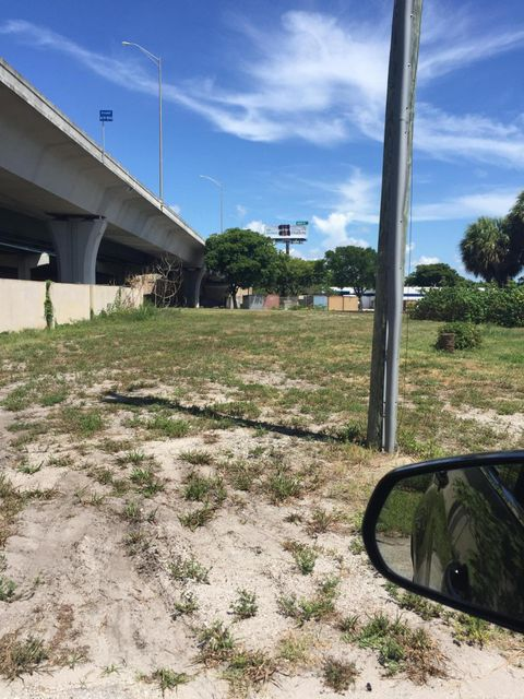 2325 Dock Street  West Palm Beach, FL 33401