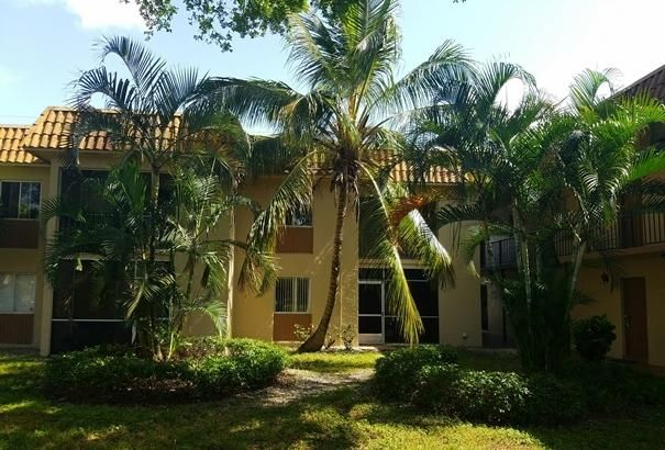 6034 Forest Hill Boulevard 207 West Palm Beach Fl 33415 Rx 10254930 In Forest Hill Gardens Condo