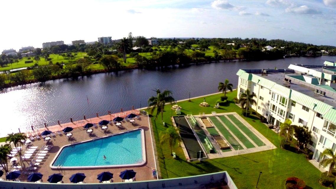 1 Colonial Club Drive 205, Boynton Beach, FL 33435