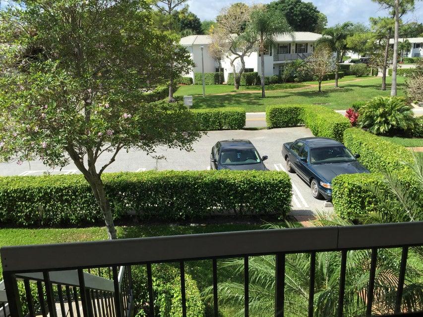 Additional photo for property listing at 28 Stratford Lane W 28 Stratford Lane W Boynton Beach, Florida 33436 United States