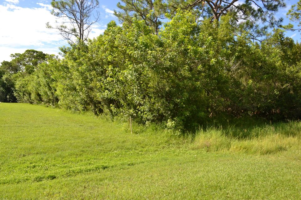 Additional photo for property listing at 8047 Spendthrift Lane 8047 Spendthrift Lane Port St. Lucie, Florida 34986 Estados Unidos
