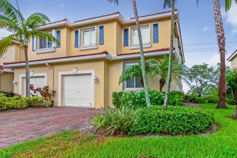 2772 S Evergreen Cir, Boynton Beach, FL 33426