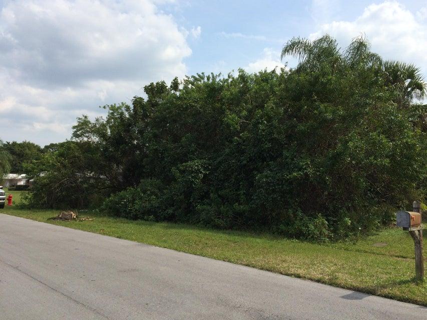 1282 SE Mcfarlane Avenue, Port Saint Lucie, FL 34952