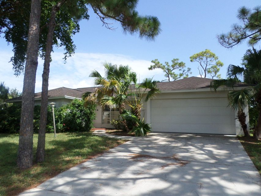 14 W Rubber Tree Drive , Lake Worth FL 33467 is listed for sale as MLS Listing RX-10256847 17 photos