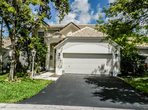 Home for sale in 4/2 With Pool Coral Springs Florida